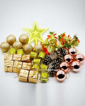 Assorted xmas decorations